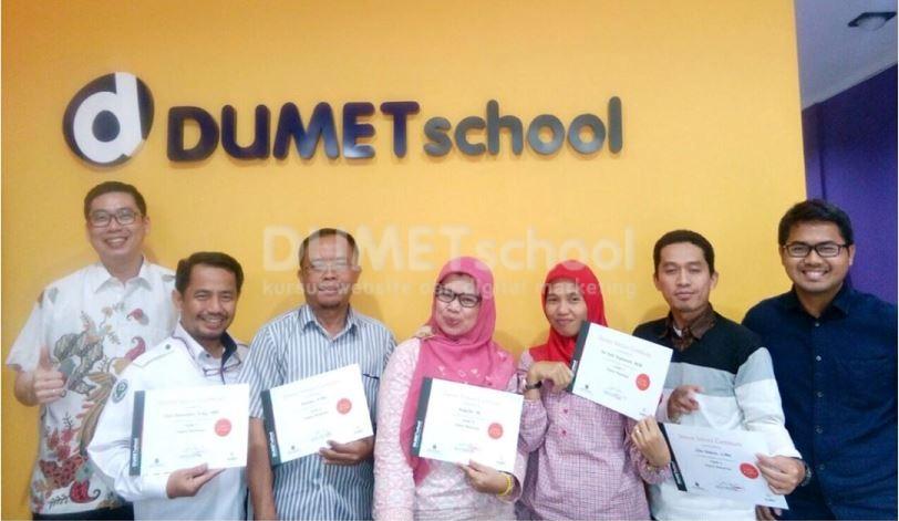 pakar digital marketing terbaik dumet school di jakarta